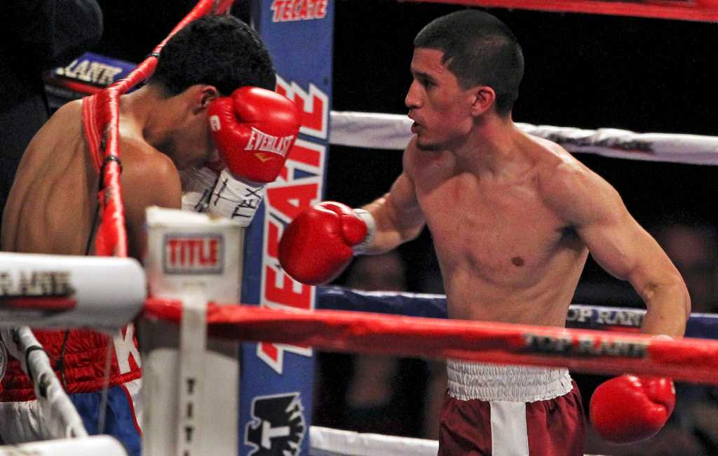S A Boxer Lopez Wins In Return To Ring San Antonio
