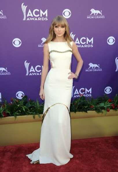 LAS VEGAS, NV - APRIL 01:  Musician Taylor Swift arrives at the 47th Annual Academy Of Country Music