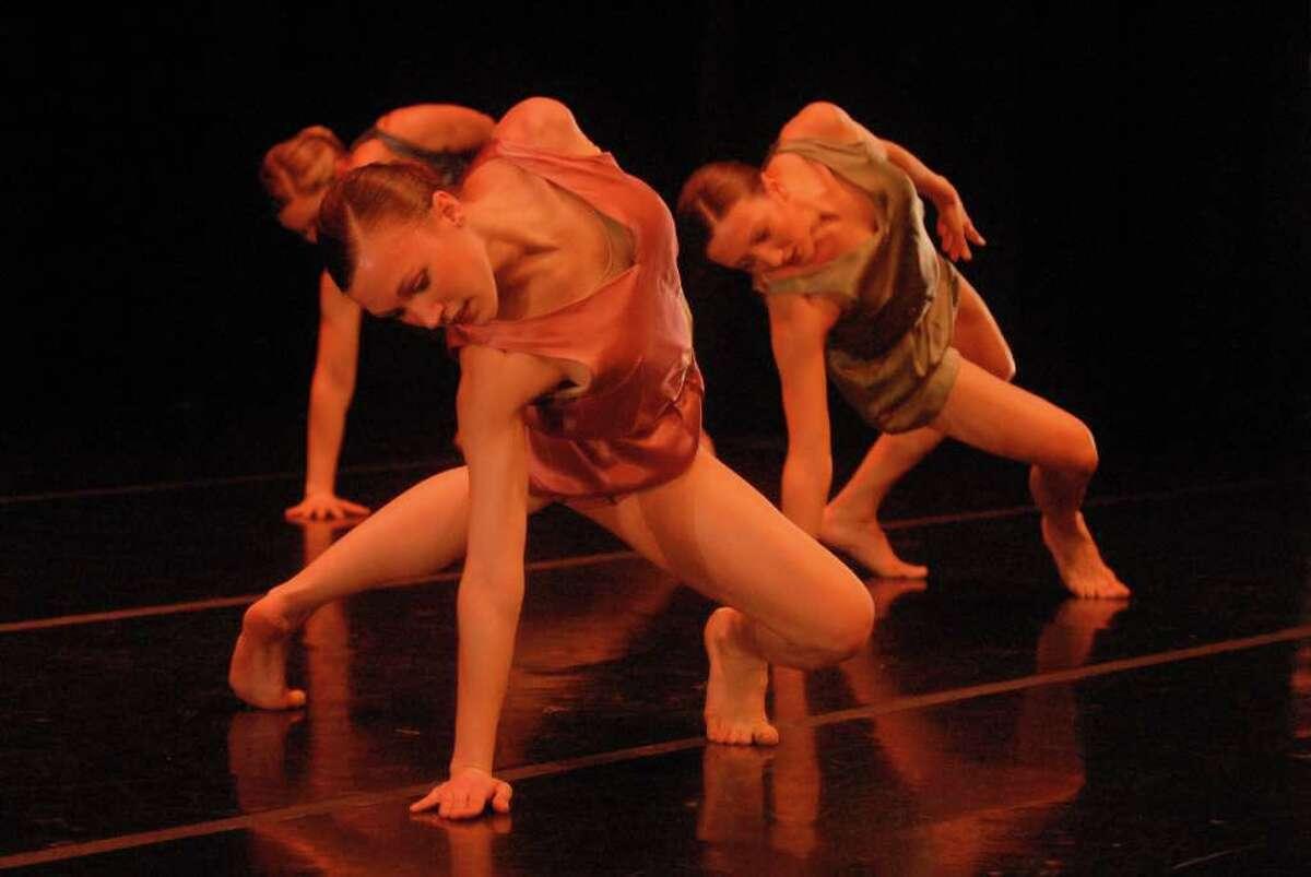 Ellen Sinopoli Dance Company performs