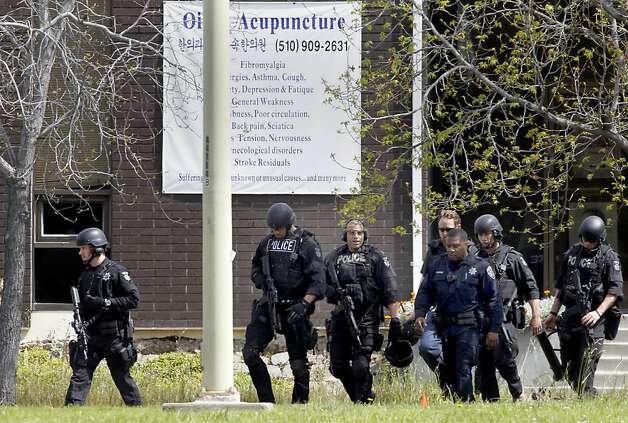 Police left the university after searching for more bodies. Seven people were shot and killed at Oikos University on Edgewater Street in Oakland, Calif. Monday April 2, 2012. Photo: Brant Ward, The Chronicle