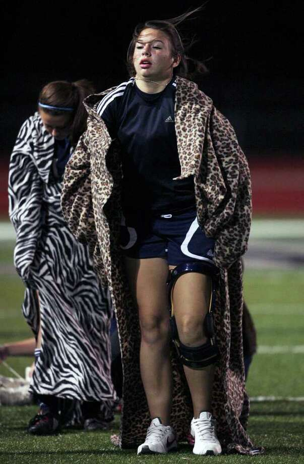Boerne Champion goalkeeper Heather Kowalik pulls on her blanket during a game on Jan. 26, 2010. Kowalik, a senior, had 11 saves, including five during a shootout, as the Chargers defeated Clemens 1-0 in a Class 4A bidistrict match. Photo: TOM REEL, San Antonio Express-News / © 2010 San Antonio Express-News