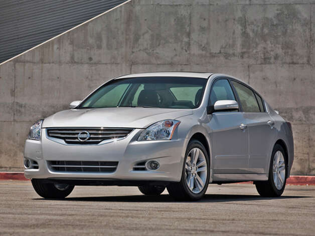 2012 Nissan Altima (photo courtesy Nissan USA) Photo: Mike Ditz / MikeDitzPhoto ©2009  (310)994-0307