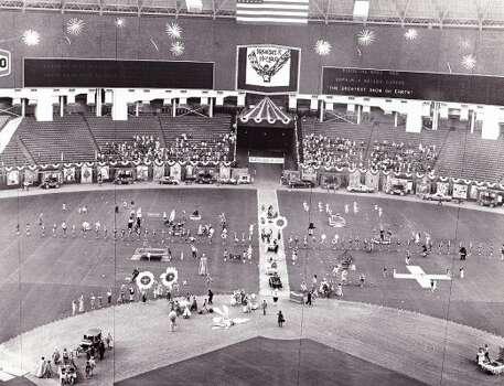 BREWSTER McCLOUD - filmed in Houston Astrodome