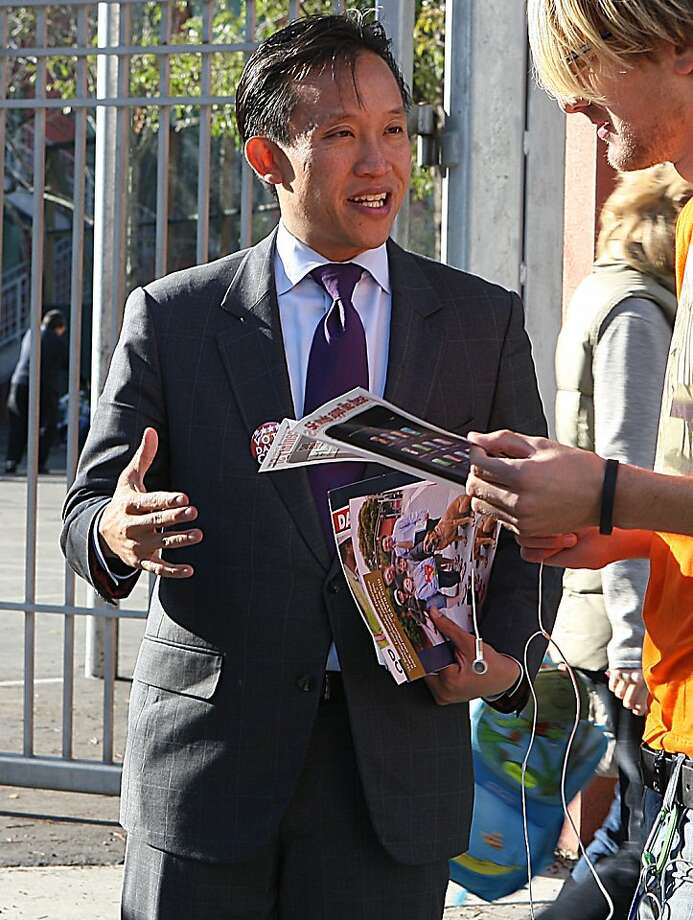 Mayoral candidate David Chiu greeting Roman Stepanyuk as he picks up his sister at Alamo Elementary School in San Francisco, Calif.,  on Monday, November 7, 2011. Photo: Liz Hafalia, The Chronicle