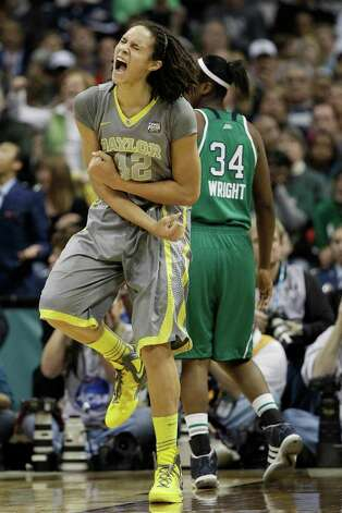 Brittney Griner (42) dominated the title game for Baylor as she has done all season. Photo: Eric Gay / AP