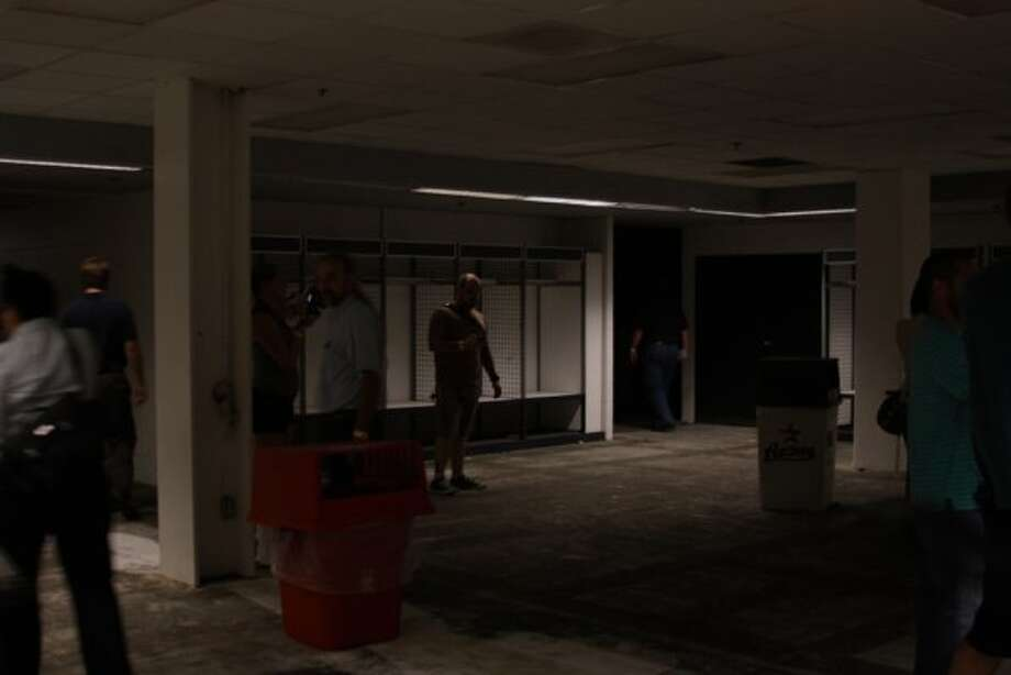 Oilers locker room. (J.R. Gonzales)