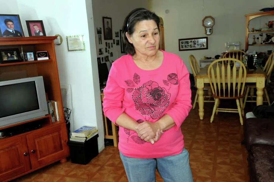 Donna Houghtaling recalls the burglary of her Albany home. (Cindy Schultz / Times Union) Photo: Cindy Schultz / 00017084A
