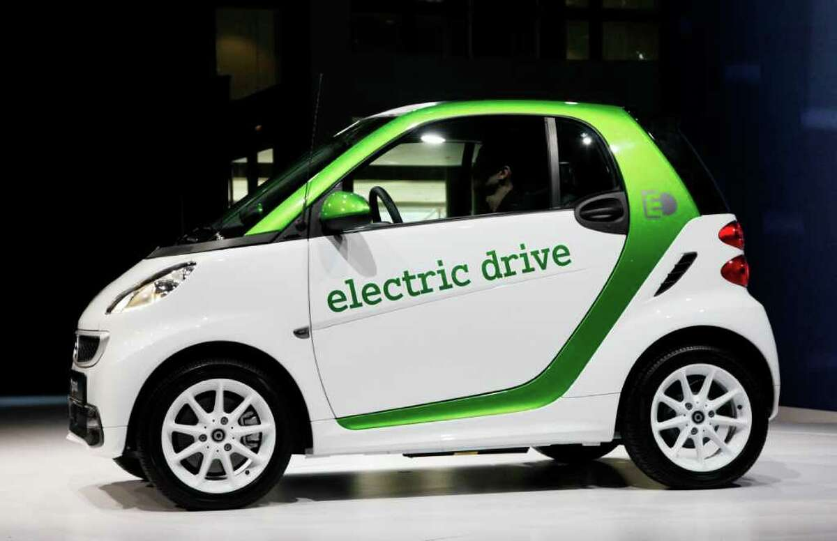A 2013 Mercedes-Benz electric drive Smart Car is displayed, Wednesday, April 4, 2012 at the New York International Auto Show.
