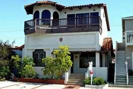 Actor Matthew Fox has listed his house in Manhattan Beach, California at $1.995 million.
