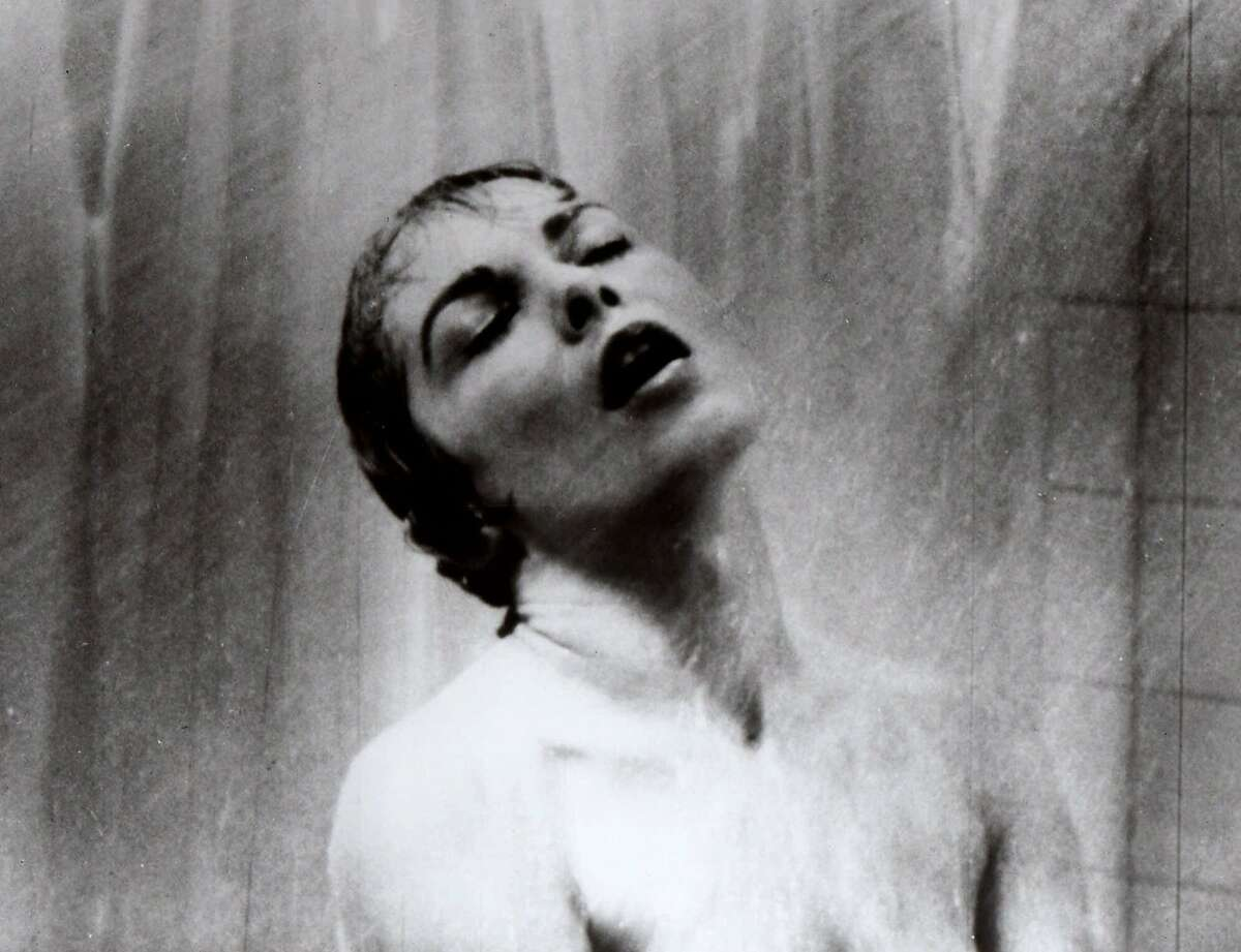 """FILE -- (NYT1) UNDATED -- Oct. 4, 2004 -- OBIT-LEIGH-B&w -- Actress Janet Leigh appears as Marion Crane in the famous shower scene in Alfred Hitchcock's 1960 classic thriller """"Psycho."""" Leigh, who starred in 50 movies, appearing opposite many of the biggest names in Hollywood, died Sunday at her Beverly Hills home according to a spokeswoman. She was 77. (The New York Times) Ran on: 10-05-2004 Janet Leigh and Tony Curtis with their daughters -- Kelly, 2½, and newborn Jamie Lee in 1959. Ran on: 02-27-2005 ALSO Ran on: 10-09-2005"""