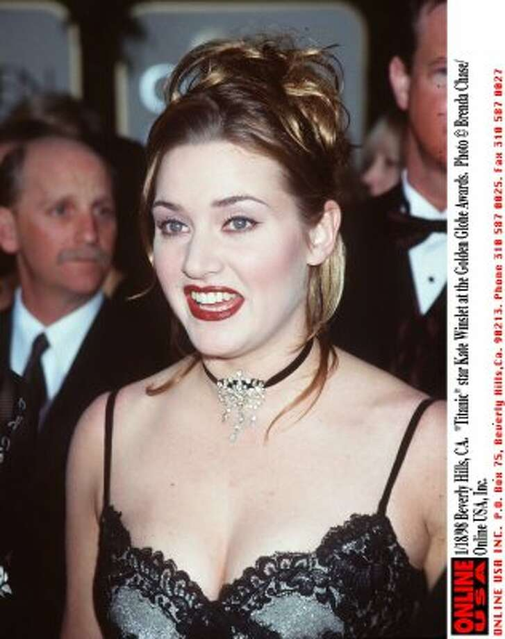 Kate Winslet at the 1998 Golden Globes Awards. (Getty Images)