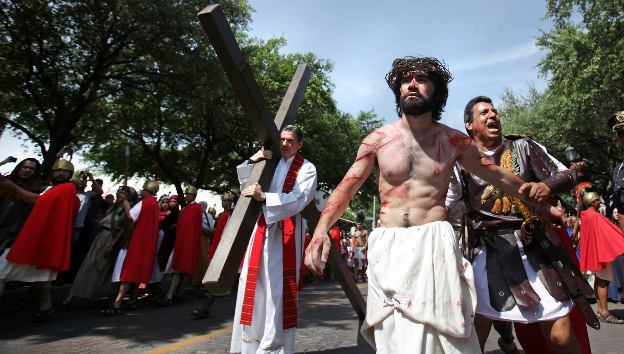 Crucifixion Drama Draws Crowd San Antonio Express News