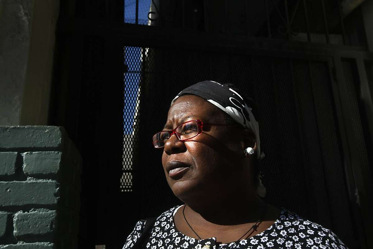This Nov. 15, 2010 photo shows Shirley Ree Smith outside of a Skid Row hotel in Los Angeles where she was being housed. Gov. Jerry Brown on Friday, April 6, 2012 commuted the sentence of the 52-year-old woman convicted of shaking her baby grandson to death, saying that significant doubts surround her conviction. Smith was convicted in December 1997 of shaking her 7-week old grandson, Etzel Dean Glass III, to death. She was sentenced to 15 years to life in prison, but has been free since 2006, when the 9th U.S. Circuit Court of Appeals set aside her sentence. (AP Photo/Los Angeles Times, Michael Robinson Chavez) ** MANDATORY CREDIT: MICHAEL ROBINSON CHAVEZ/LOS ANGELES TIMES; NO FORNS; NO SALES; MAGS OUT; ORANGE COUNTY REGISTER OUT; LOS ANGELES DAILY NEWS OUT; VENTURA COUNTY STAR OUT; INLAND VALLEY DAILY BULLETIN OUT; SAN BERNARDINO SUN OUT; MANDATORY CREDIT, TV OUT **