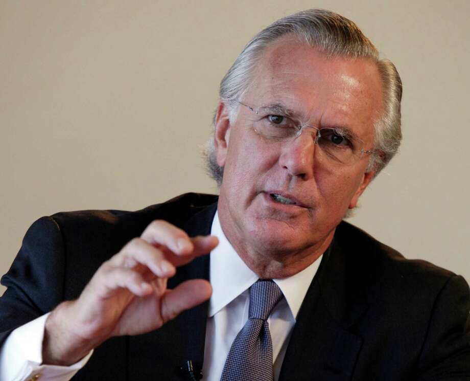 In this Oct. 3, 2011 photo, Dallas Federal Reserve President Richard Fisher is photographed during an interviewed by The Associated Press, in New York. (AP Photo/Richard Drew) Photo: Richard Drew / AP