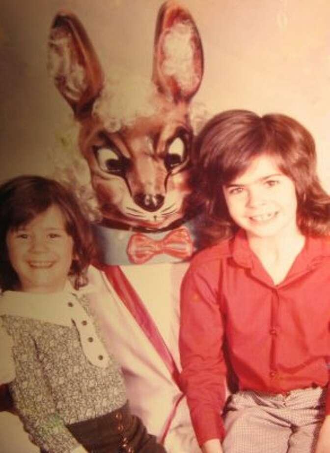 An earful. (Awkward Family Photos / awkwardfamilyphotos.com)