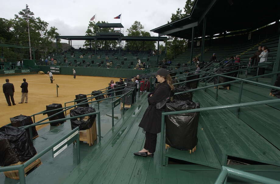 With an intimate stadium setting and its signature red clay court that is surrounded by towering pines and brightly blooming flowers, River Oaks, with all of its modern amenities notwithstanding, is what tennis used to be, much like Augusta National is what golf used to be. Photo: Ben DeSoto / Houston Chronicle