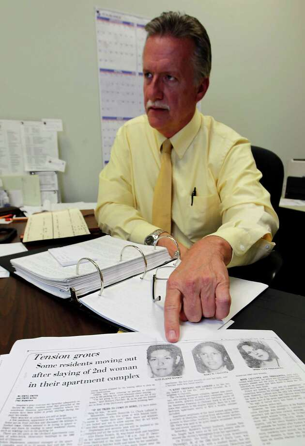 "Sgt. Paul Motard, a veteran Houston police homicide investigator on the cold case squad,  doesn't think one person was responsible for all the killings but isn't ""ruling anything out."" Photo: Karen Warren / © 2012  Houston Chronicle"