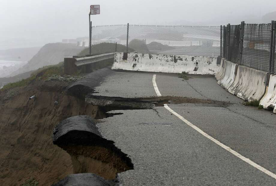 A storm-damaged section of the Great Highway south of Sloat Boulevard in March 2012. Photo: Paul Chinn, The Chronicle