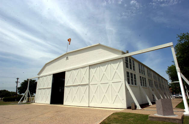 Hangar 9 at Brooks AFB dates back to World War I. The structure and others at the post are covered in a memorandum of agreement that was signed on Tuesday as a prelude to the transfer of the base to the Brooks Development Authority this summer. May 14, 2002. Photo: Billy Calzada, San Antonio Express-News
