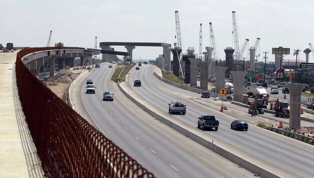 Key road projects in Bexar County currently are on Loop 16o4 (pictured) and U.S. 281. Photo: Express-News File Photo