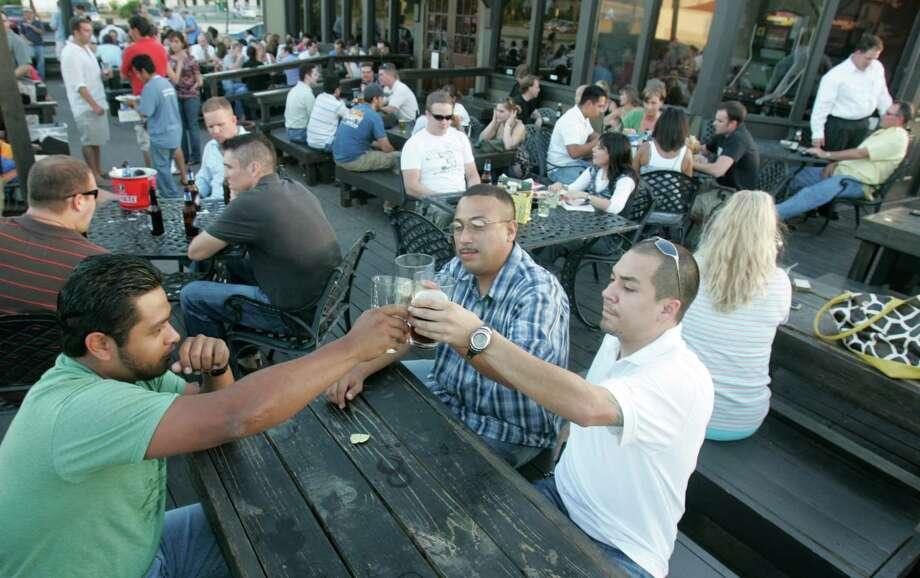 porch swing pub trivia time 1