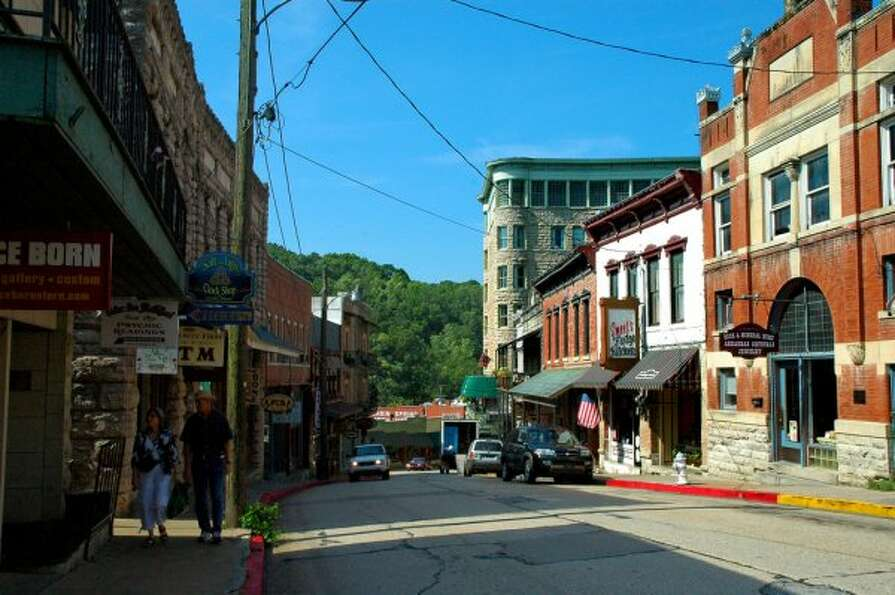 Eureka Springs, Arkansas   (Clinton Steeds / Flickr)