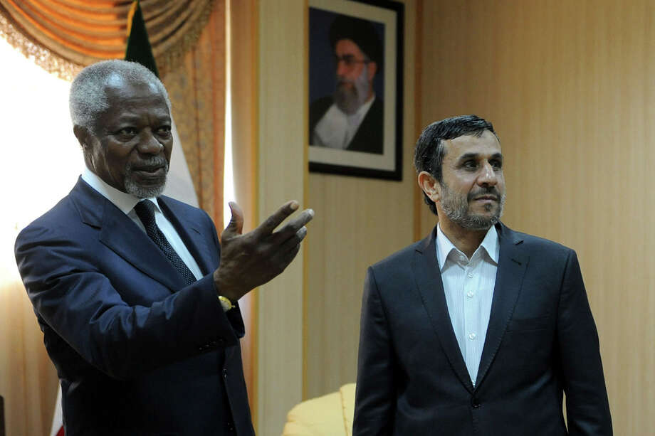 International envoy Kofi Annan, left, on Wednesday won the backing of Iranian President Mahmoud Ahmadinejad for his plan to end fighting in Syria. Photo: Hamid Foroutan / Iranian Students News Agency, IS