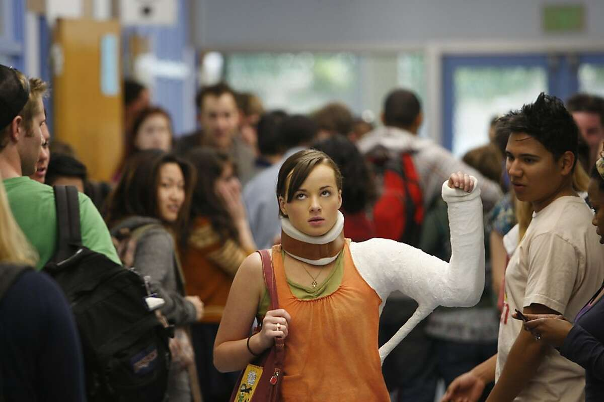 Jenna (played by Ashley Rickards) in MTV's Awkward.