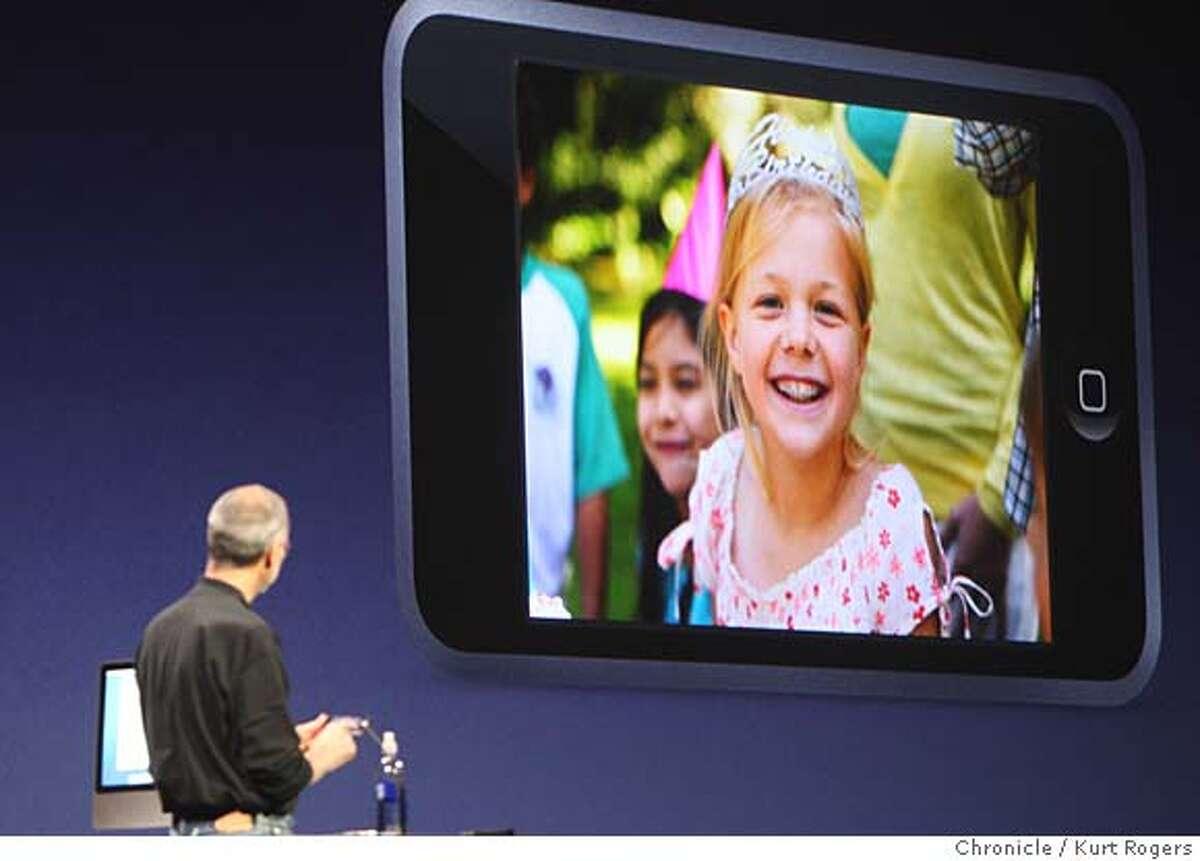 The I Pod Touch Apple's Steve Jobs announces new I pods at the Mascone center in San Francisco. WEDNESDAY, SEPT 5, 2007 KURT ROGERS SAN FRANCISCO SFC THE CHRONICLE APPLE06_311_kr.jpg