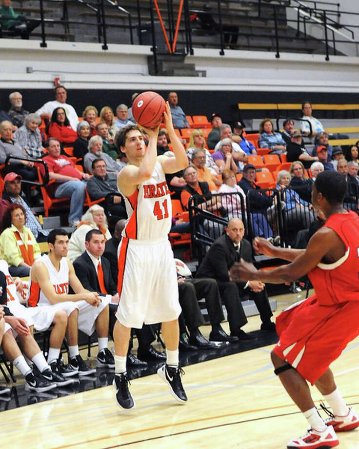 Austin Ramljak averaged 19.2 points and made 102 3-pointers as a sophomore at Ventura (Calif.) College. Photo: Ventura (Calif.) College Athletics