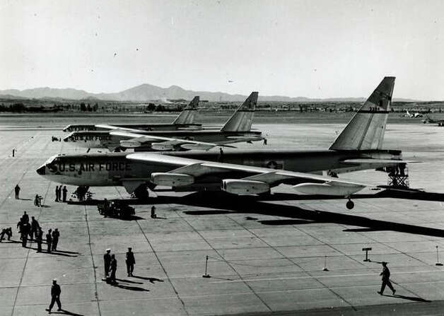 On Jan. 18, 1957, three U.S. Air Force B-52s set an around-the-world non-stop record of 45 hours and 19 minutes. Photo: The Boeing Co. / SL