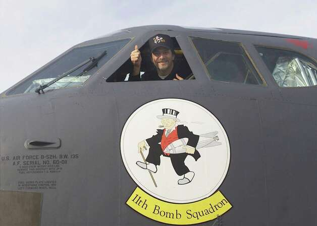 Comedian Jeff Foxworthy gives a  thumbs-up from a B-52 on Jan. 11, 2002 at Barksdale Air Force Base, LA. Photo: Denise Rayder, Getty Images / Getty Images  North America