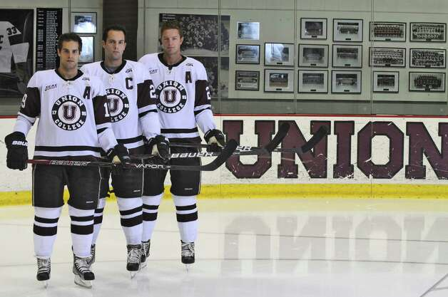 9eaf2f0ae What makes a great/bad college hockey jersey?
