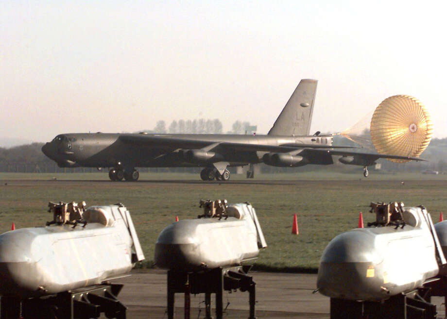 A B-52H taxies at RAF base Fairford, United Kingdom on March 29, 1999 past waiting cruise missiles for NATO operations over Kosovo. Photo: USAF, U.S. Air Force/Getty Images / Getty Images North America