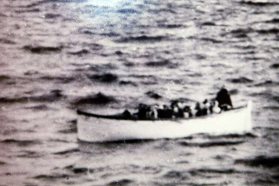 A lifeboat drifts in the sea after the Titanic's sinking. Photo: Ed Andrieski / AP