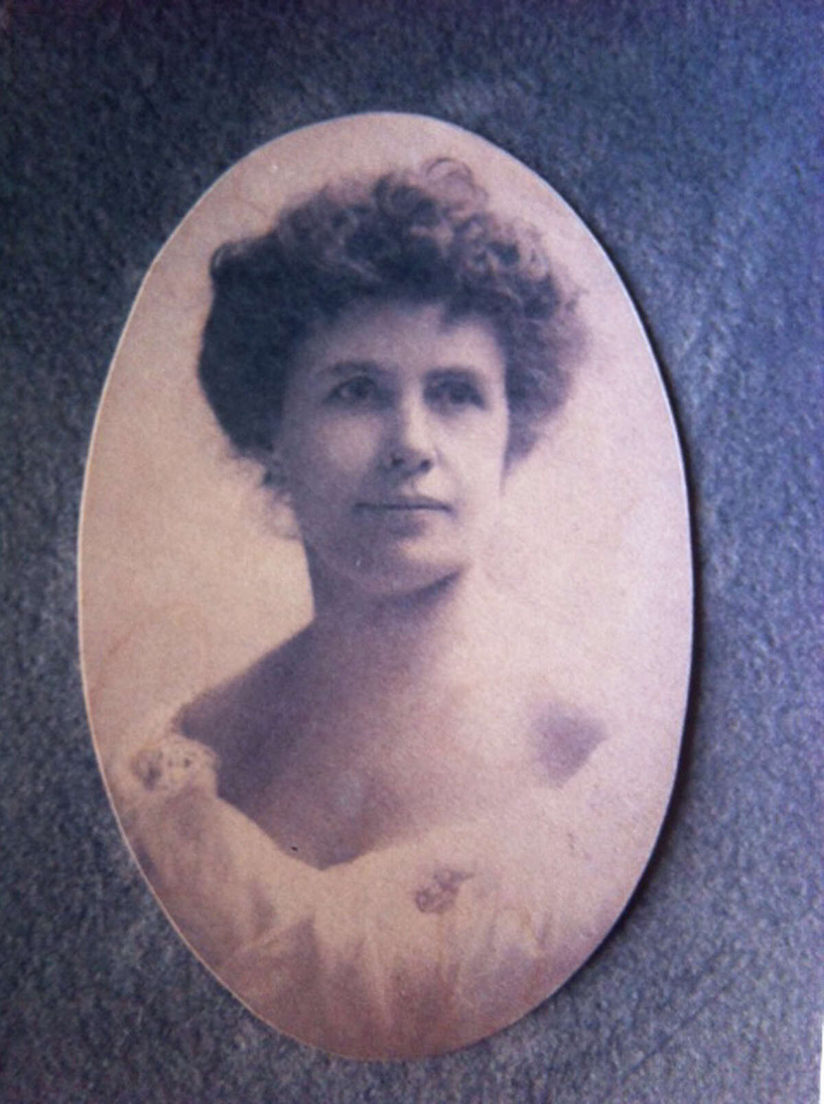 Helen Churchill Candee seen in an undated family photo prior to 1912.