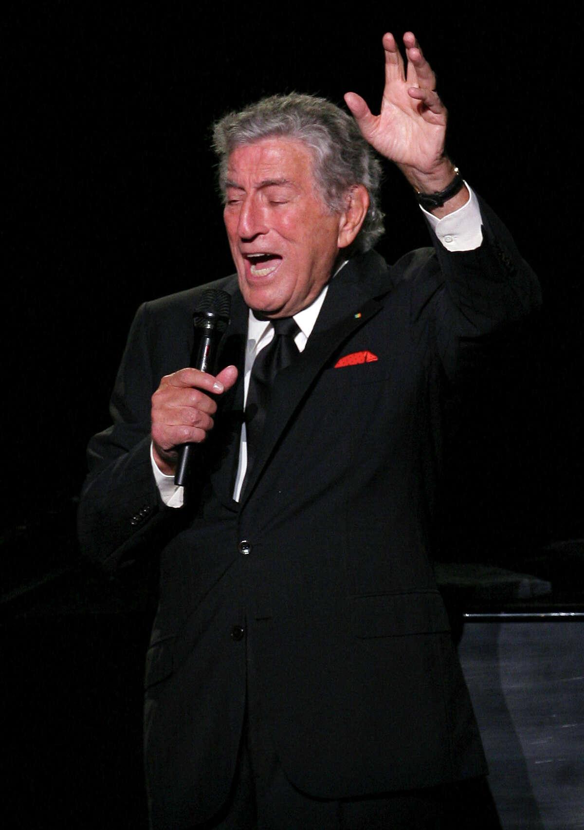 Legendary singer Tony Bennett performs
