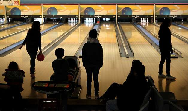 Generations of bowlers met at Serra Bowl in Daly City on Sunday for the alley's final day of operation. The Serra Bowling alley opened 51 years ago, and has hosted many community supportive events. Photo: Kevin Johnson, The Chronicle