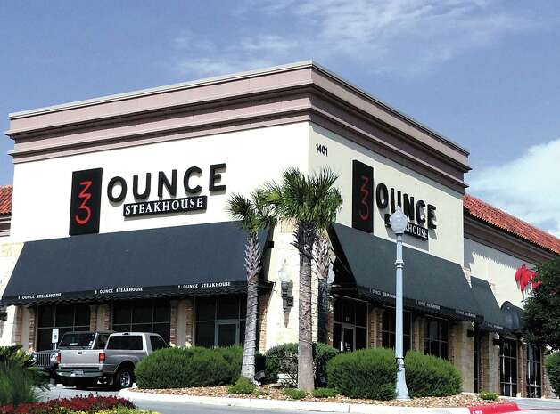 Peña is an investor in Ounce Steakhouse, a swanky eatery in the Stone Oak area. Photo: BILLY CALZADA, File Photo / SAN ANTONIO EXPRESS-NEWS