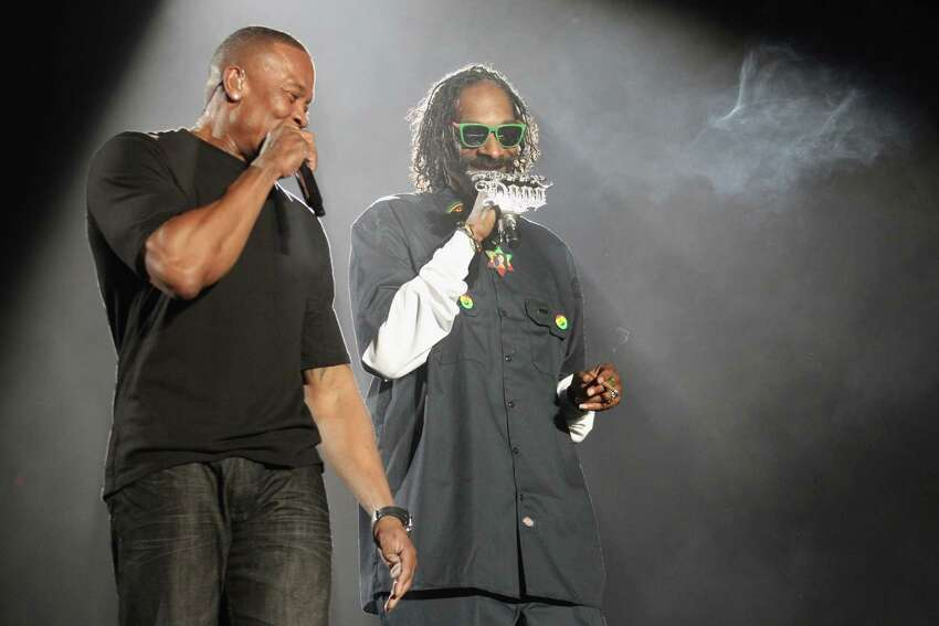 Dr. Dre, feat. Snoop Dogg, Nate Dogg, and Kurupt