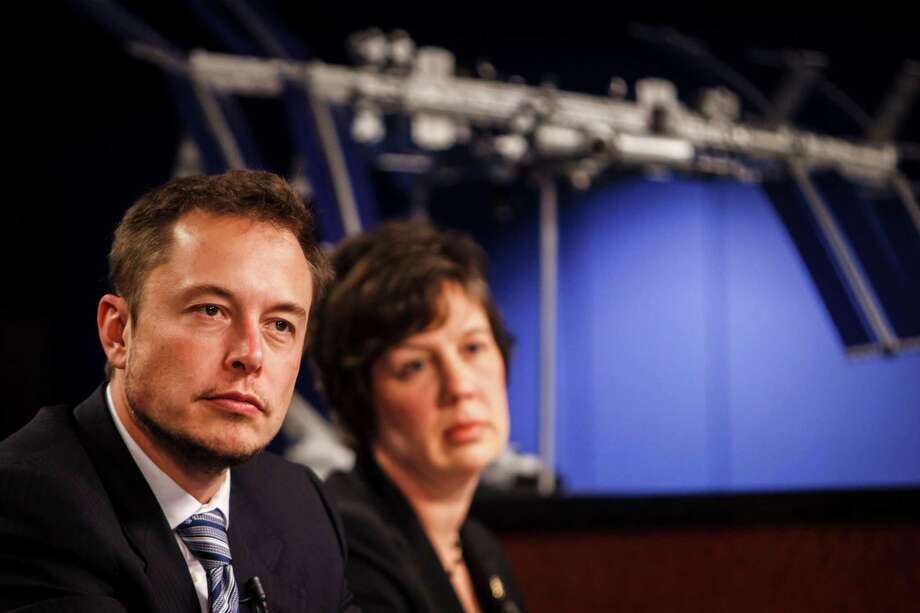 Elon Musk, CEO of SpaceX, fields questions during a news conference on the upcoming mission to the International Space Station. Photo: Michael Paulsen / © 2012 Houston Chronicle