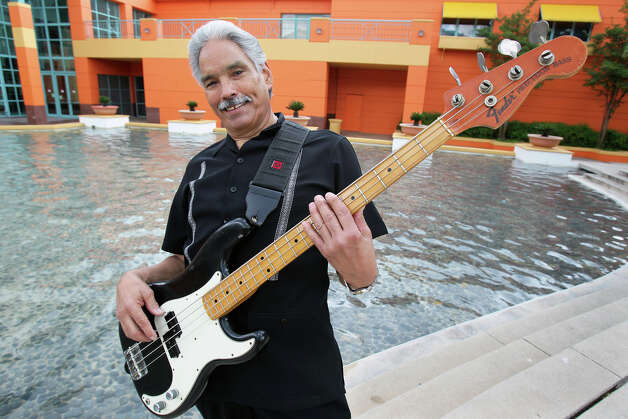 Singer-bassist Ernie Garibay and Cats Don't Sleep are known for mixing oldies with classic soul and R&B. Photo: Tom Reel, San Antonio Express-News / © 2012 San Antonio Express-News