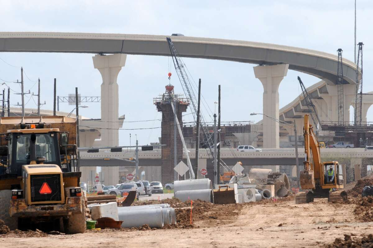A Williams Bros. construction crew continues works on the Grand Parkway near Colonial Parkway in Katy.