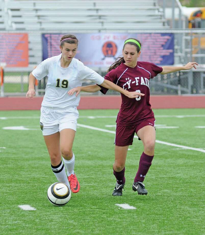 Klein Oak senior forward Amanda Fox scored both goals for the Lady Panthers during 1-0 wins over A&M Consolidated and Garland Sachse at the Class 5A Region II Tournament last weekend. Photo: L. Scott Hainline / The Chronicle