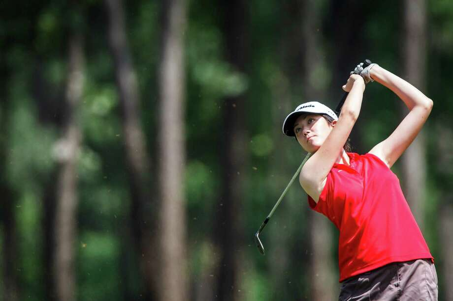 Emily Gilbreth of Bellaire swings during the 5A Region III girls golf final round at Eagles Pointe Golf Club in Mont Belvieu, Tuesday, April 17, 2012, in Mont Belvieu. ( Michael Paulsen / Houston Chronicle ) Photo: Michael Paulsen / © 2012 Houston Chronicle