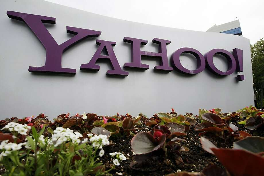 This April 18, 2011 file photo shows the Yahoo logo  displayed outside of the offices in Santa Clara, Calif.. Yahoo discloses its quarterly financial results Tuesday, April 17, 2012, after the market close. (AP Photo/Paul Sakuma, file) Photo: Paul Sakuma, Associated Press
