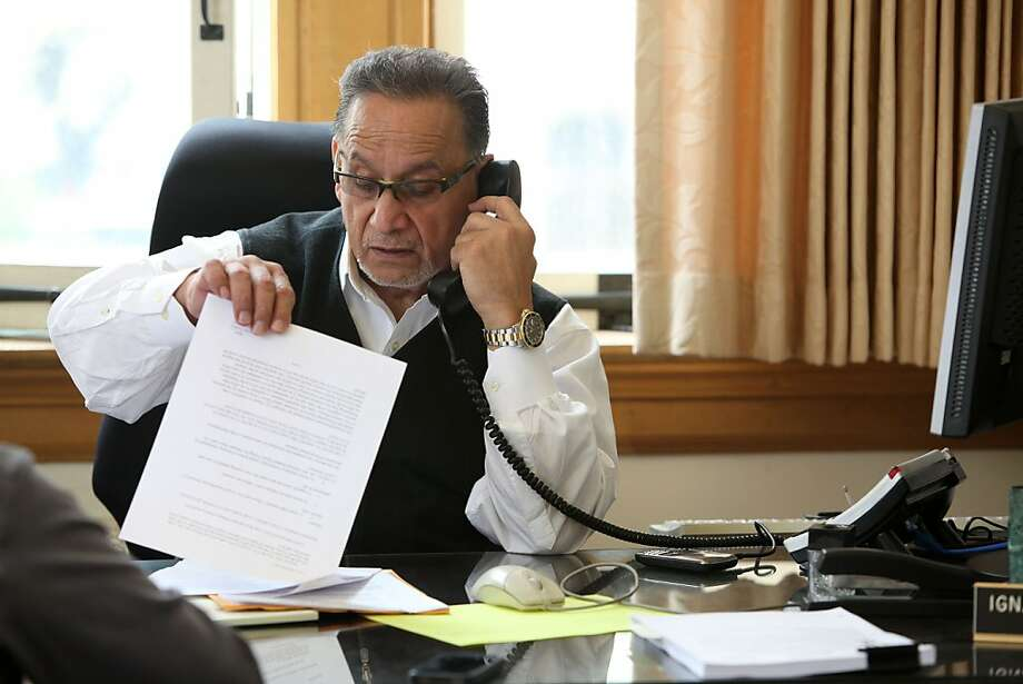 Councilman Ignacio De La Fuente working at his desk in Oakland City Hall in Oakland, Calif., on Tuesday, April 17, 2012. Photo: Liz Hafalia, The Chronicle