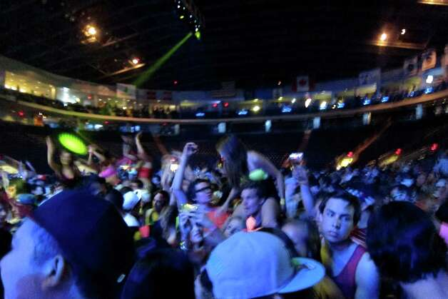 Swedish electro house DJ AVICII performed for a sold out floor at Webster Bank Arena in Bridgeport on April 17, 2012. Photo: Vinti Singh / Connecticut Post