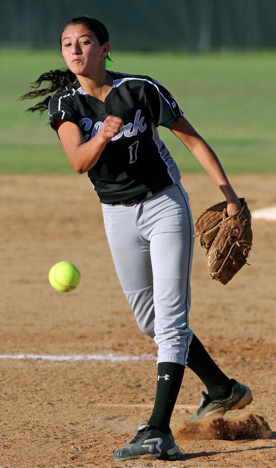 Clark pitcher Henessey Soto delivers in the late innings as O'Connor beats Clark 1-0 at Northside Softball Field No. 1  on  April 17, 2012.  Tom Reel/ San Antonio EXpress-News Photo: TOM REEL, Express-News / San Antonio Express-News