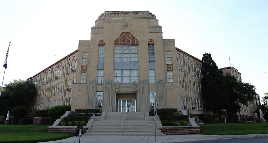 The main building of Central Catholic High School located at 1403 North St. Mary's Street on Wednesday, Apr. 18, 2012. Kin Man Hui/Express-News Photo: Kin Man Hui, SAN ANTONIO EXPRESS-NEWS / San Antonio Express-News